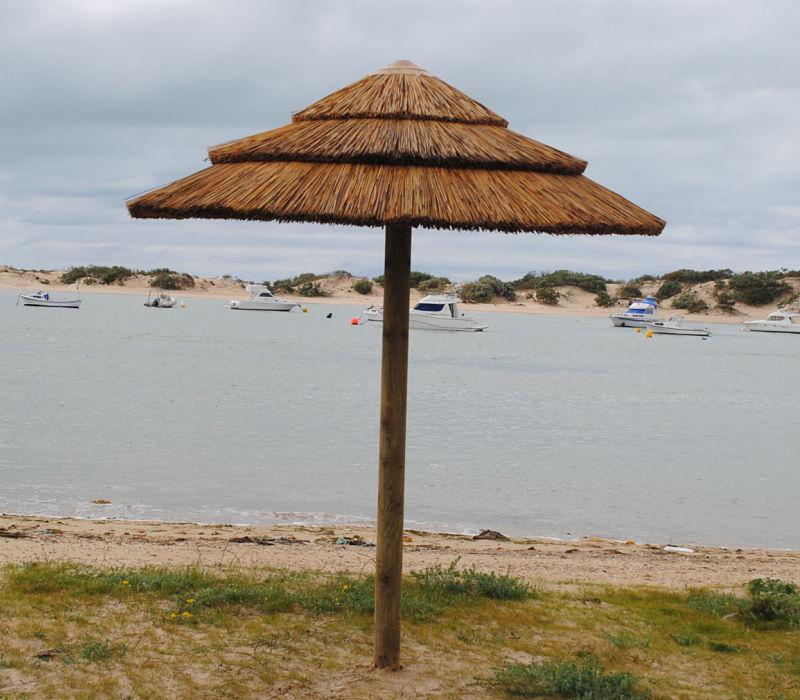 Hispabrezo sombrillas brezo tumbonas pergolas otras for Tumbonas playa baratas